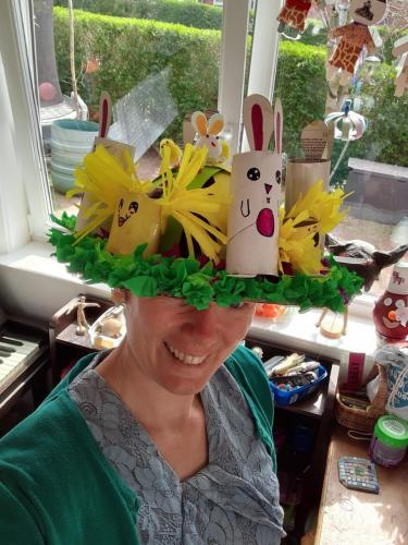 Daisy - Easter-Bonnet